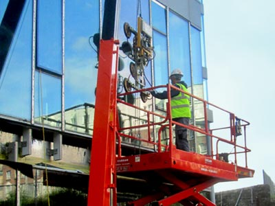 Vacuum Lifter Hire and Glass Lifting Services